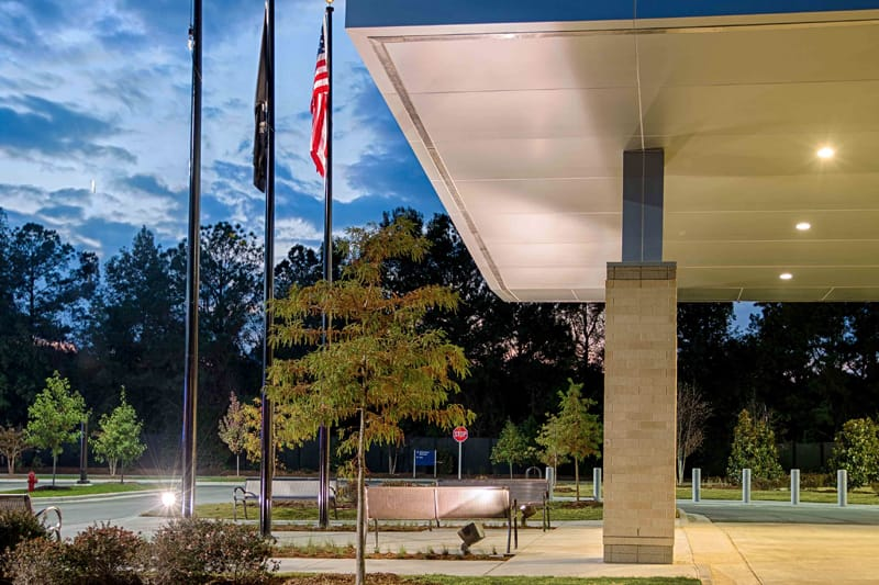 Gilbane Building Company delivered the new VA Outpatient Clinic serving veterans via design-build contract with integrated project delivery means and methods. (Photo: Tzu Chen)